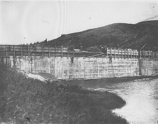 Building the Upper Dam